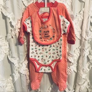 NWOT Three piece baby set.